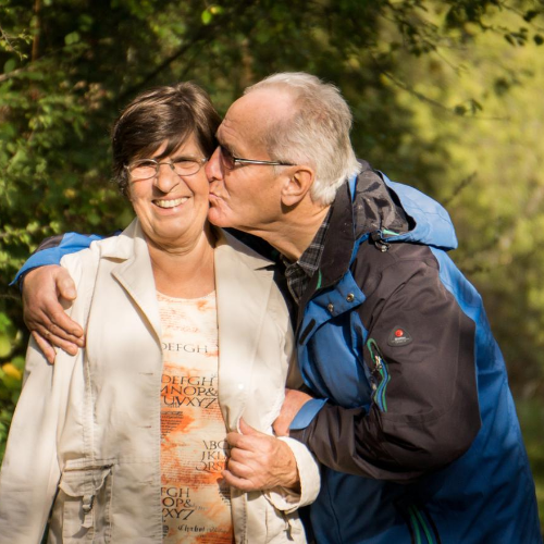 Senior óra növeli az idősödő családtagok biztonságát!
